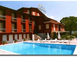 Hotel Cavalieri, hotel en Passignano sul Trasimeno