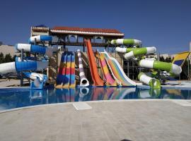 Samra Bay Hotel and Resort, отель в Хургаде