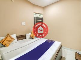 SPOT ON FAR319 Royal King Guest House, hotel en Faridabad