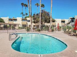 New *5*STAR Listing! Poolside, Old Town Scottsdale Condo/TownHome, vacation rental in Scottsdale
