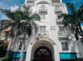 Sunflowers Hotel, hotel in Tan Binh, Ho Chi Minh City