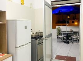 Apartamento Independiente 1 dormitorio cama Queen, hotel in Lima