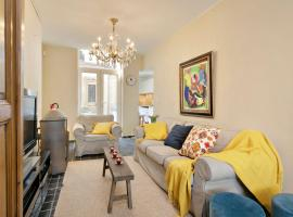 Charming townhouse in historic centre of Bruges, pet-friendly hotel in Bruges