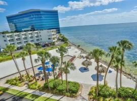 Oceanfront - Amazing Balcony view - Heated Pool, apartment in Tampa