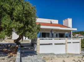 Moderner Bungalow mit Meerblick, holiday home in Lun