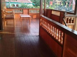 Villa Anjung Balak puncak, pet-friendly hotel in Bogor