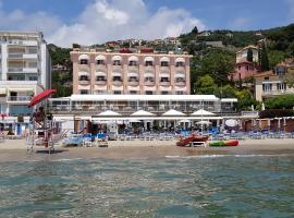 Hotel Regina, hotel in Alassio