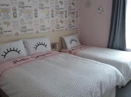 Hotel 33, guest house in Blackpool
