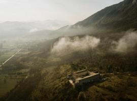 Monastero Fortezza di Santo Spirito, hotel near Campo Felice, Fossa