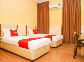 OYO 90169 The Grand Hotel 2, hotel in Sandakan