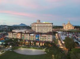 古晉海濱酒店,古晉的飯店
