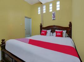 OYO 90061 Melati House Syariah, hotel in Malang