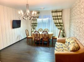 3-ком апартаменты ул Украинская, отель в Нижнем Новгороде