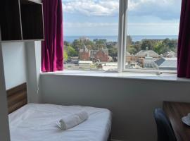 En Suite Rooms & Studios, BOURNEMOUTH - SK, B&B in Bournemouth