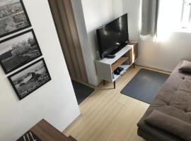 Apartamento completo - Home Office com Wifi - 12º andar - Centro Curitiba, holiday rental in Curitiba