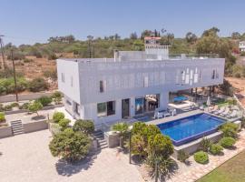 Chloe Luxury Villa, hotel near Agia Napa Sea Caves, Protaras