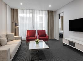 Meriton Suites North Ryde, hotel near Art Gallery of New South Wales, Sydney