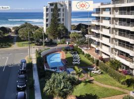 Surfers Chalet, serviced apartment in Gold Coast
