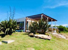 """Moderna Casa en Punta del Este, En Punta Ballena, """"Baleia"""", hotel in Punta del Este"""