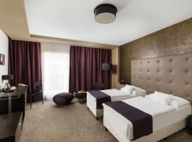 Corso Hotel Pécs, hotel in Pécs