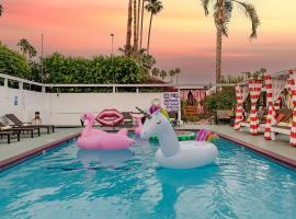 Float Palm Springs, hotel near Palm Springs International Airport - PSP, Palm Springs