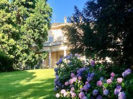 Villa Platamone, hotel in Como