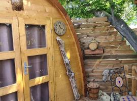 Lodges les muriers, luxury tent in Prunelli-di-Fiumorbo