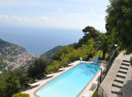 Scala Villa Sleeps 9 Pool Air Con WiFi, villa in Ravello