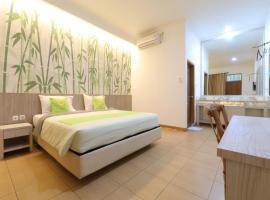Hotel Huswah Airport, hotel near Jakarta Soekarno Hatta Airport - CGK, Tangerang