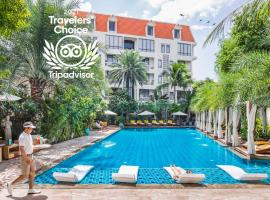 Palace Gate Hotel & Resort, hotel with jacuzzis in Phnom Penh