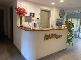 Albergo Aduepassi & Servizio Bike Shuttle, hotel a Finale Ligure
