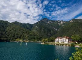 Hotel Lido, Hotel in Ledro