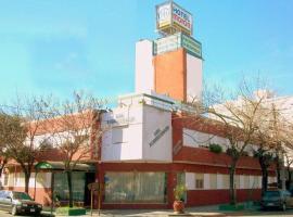 Hotel Moron, hotel near Ministro Pistarini International Airport - EZE, Morón