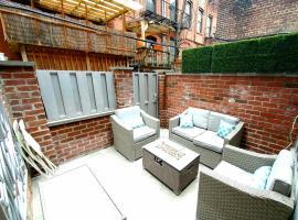 Luxury modern time square condo/private patio, hotel de lujo en Nueva York