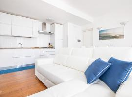 Elena House White Apartment, apartment in Viareggio