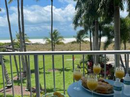 Relaxing Beachfront Condo - Stunning Gulf Views, apartment in Marco Island