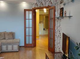 Двухкомнатная квартира в тихом центре, apartment in Berdsk