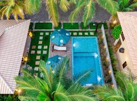 Sombra do Coqueiro - 150m do mar, hotel in Coqueiro