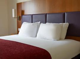Cross Roads By Greene King Inns, hotel near Northampton Golf Club, Weedon Bec