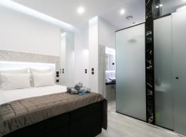 Marble Suite 40sqm Center AC 2smarttv NETFLIX, apartment in Thessaloniki