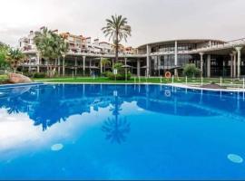Parque Botanico Resort & Country Club, lägenhet i Estepona