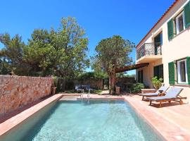Villa Giani, hotel with pools in Chania Town