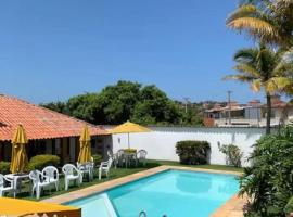 Casa com 3 suítes - À 150m da praia de Geribá, vacation home in Búzios