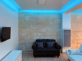 Bel appartement INTRA MUROS AVIGNON - PARKING LIBRE, hotel in Avignon