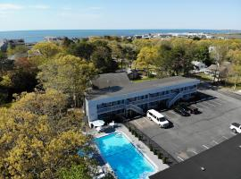 Ocean Breeze Motel, hotel with pools in South Yarmouth