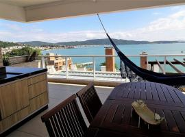 1080 - Apartamento com vista para o mar em Bombinhas, hotel near Retreat of the Priests Beach, Bombinhas
