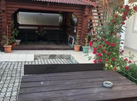 Уютный двор, apartment in Gelendzhik