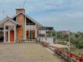 Villa Valencia by Villa Gue Aja, villa in Bogor