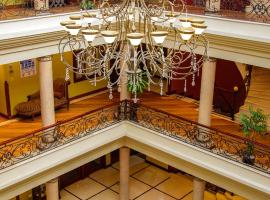 Grand Victoria Boutique Hotel, hotel em Loja