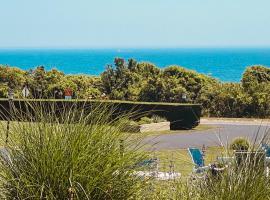 Hartman's Briney Breezes Beach Resort, budget hotel in Montauk